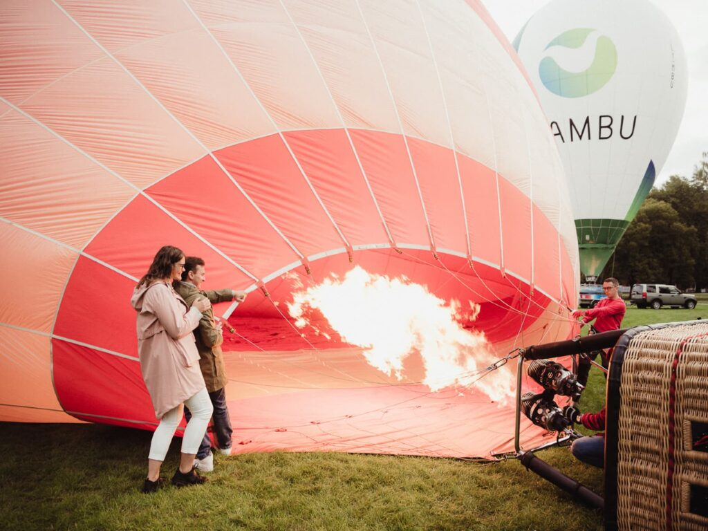 romantic-hot-air-balloon-experience